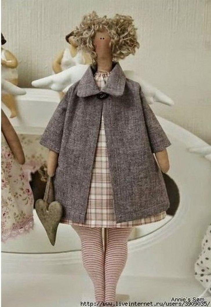 фото выкройка куклы тильда в платье и пальто