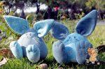 Кролики из джинсовой ткани с выкройкой