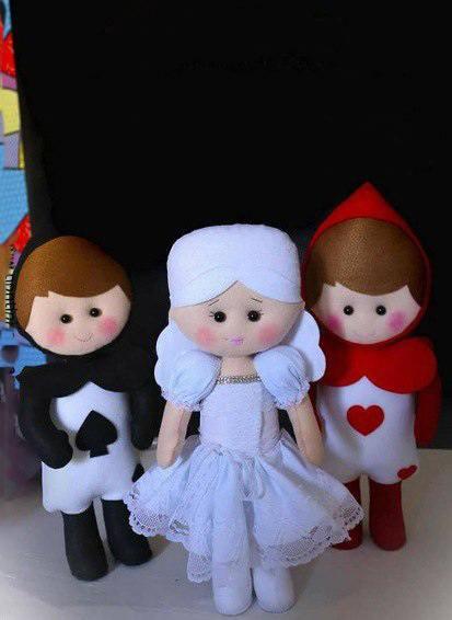 """выкройка кукол из сказки """"Алиса в стране чудес"""""""