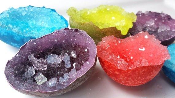 фото как вырастить настоящий кристалл в яичной скорлупе
