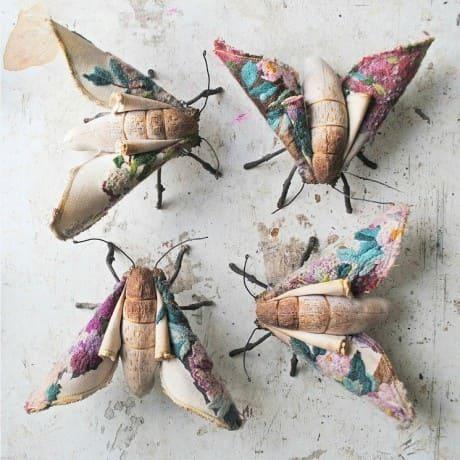 бабочка моли из текстиля