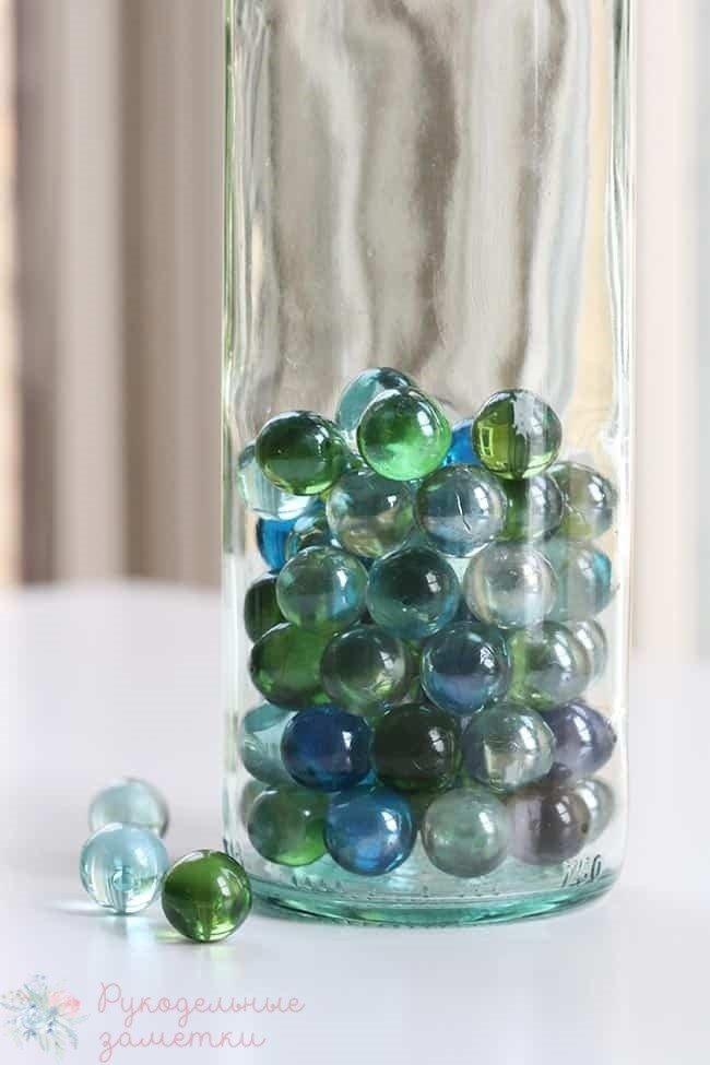 стеклянные шарики марбл в лампу из бутылки