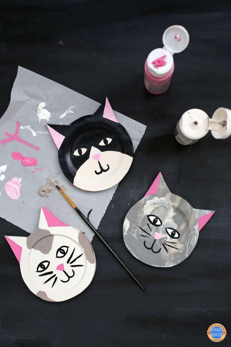 Подставки под кружки в виде котов из глины
