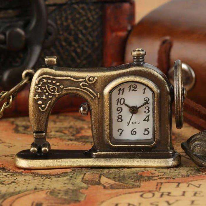 Кварцевые карманные часы