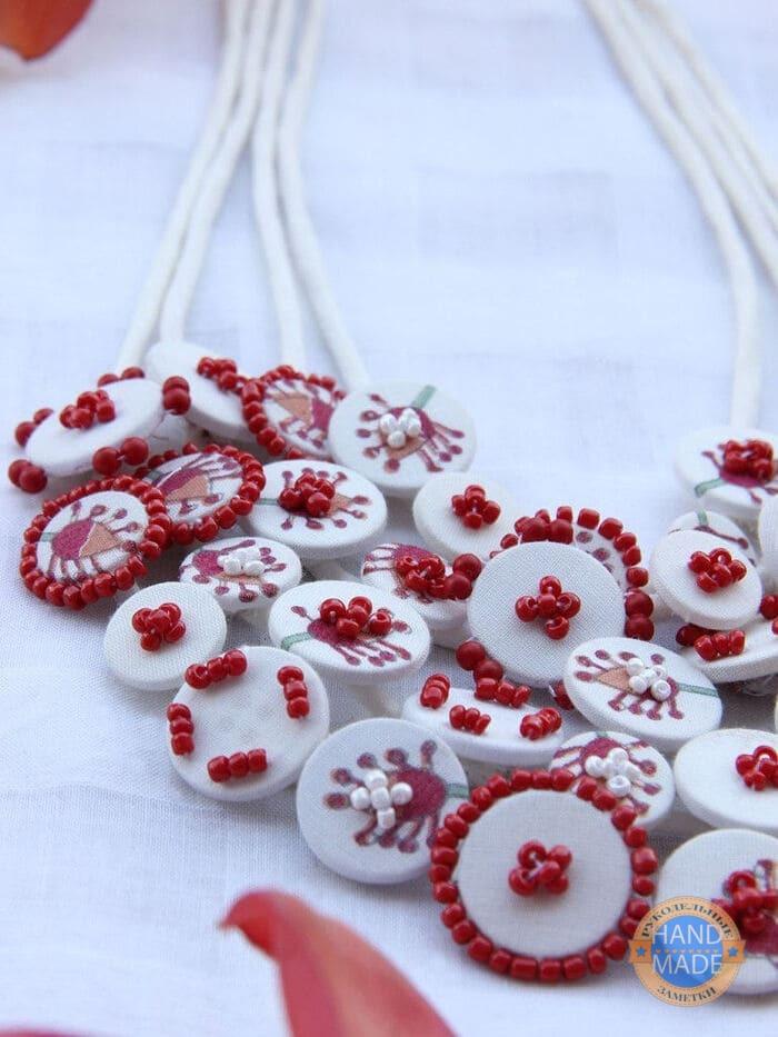 Комплект украшений из ткани и бусин в стиле бохо своими руками